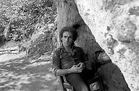 Jean-Pierre Berube , date inconnue.<br /> <br /> Jean-Pierre Bérubé est né en 1945 à Québec. Auteur-compositeur-interprète, il débute dans les années 60 lorsqu'il remporte un concours à la télévision de Radio-Canada. En 1969, il anime une série d'émissions de variétés avec Dorothy Berryman. Il compose surtout des chanson ayant pour thème l'amour, la vie, le Québec. Il fait plusieurs tournées ici et en France.<br /> <br /> <br /> PHOTO : Agence Quebec Presse