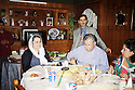 Irak 2000 Déjeuner de Jalal Talabani dans une famille de Suleimania  Iraq 2000  Jalal Talabani having lunch in a private house in Suleimania