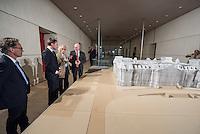 """Zum 20. Jahrestag des """"Verhuellten Reichstags"""" empfing Bundestagspraesident Norbert Lammert den Kuenstler Christo, auf dessen Initiative der Reichstag am 24. Juni 1995 das Kunstprojekt stattfand.<br /> Die Kuenstler Christo und seine 2009 verstorbene Ehefrau Jeanne-Claude hatten seit 1971 fuer ihr Projekt geworben, bis der Bundestag ihm einer namentlichen Abstimmung am 25. Februar 1994 endlich zustimmte. Ein Jahr spaeter, vom 24. Juni bis 7. Juli 1995, wurde das Reichstagsgebaeude verhuellt.<br /> Die Ausstellungsstuecke, welche die Geschichte des Projektes zeigen, wurden von dem  Unternehmer Lars Windhorst erworben und dem Bundestag fuer die Dauer von zunaechst 20 Jahren kostenlos zur Verfuegung stellt.<br /> Am Reichstagsmodell vlnr.: Fotograf und Christo-Freund Wolfgang Volz, Lars Windhorst, Christo, Bundestagspraesident Norbert Lammert.<br /> 17.6.2015, Berlin<br /> Copyright: Christian-Ditsch.de<br /> [Inhaltsveraendernde Manipulation des Fotos nur nach ausdruecklicher Genehmigung des Fotografen. Vereinbarungen ueber Abtretung von Persoenlichkeitsrechten/Model Release der abgebildeten Person/Personen liegen nicht vor. NO MODEL RELEASE! Nur fuer Redaktionelle Zwecke. Don't publish without copyright Christian-Ditsch.de, Veroeffentlichung nur mit Fotografennennung, sowie gegen Honorar, MwSt. und Beleg. Konto: I N G - D i B a, IBAN DE58500105175400192269, BIC INGDDEFFXXX, Kontakt: post@christian-ditsch.de<br /> Bei der Bearbeitung der Dateiinformationen darf die Urheberkennzeichnung in den EXIF- und  IPTC-Daten nicht entfernt werden, diese sind in digitalen Medien nach §95c UrhG rechtlich geschuetzt. Der Urhebervermerk wird gemaess §13 UrhG verlangt.]"""