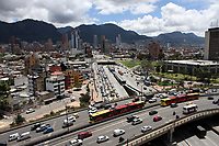 BOGOTÁ - COLOMBIA, 25-11-2018:Imágenes de la ciudad ,edificios, tarnsporte ,transmilenio, cerros orientales./Images of the city, buildings, transport, Transmilenio, eastern hills. Photo: VizzorImage / Felipe Caicedo / Satff