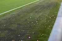 VOETBAL: HEERENVEEN: 27-10- 2019, Abe Lenstra Stadion, SC Heerenveen - FC Groningen, uitslag 1-1, stuiterballen werden als protest op het veld gegooid door de FC Groningen fans, ©foto Martin de Jong