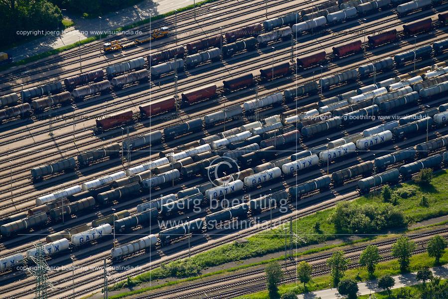 GERMANY Hamburg, tank wagon of railways on tracks / DEUTSCHLAND Hamburg, Tankwagen der Bahn auf Gleisen