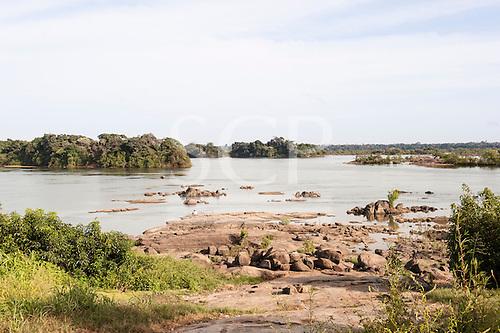 Xingu River, Para State, Brazil. The Volta Grande; Aldeia Terra Wangã da Volta Grande - Maia, Arara ethnic group. Low river level, rocks.