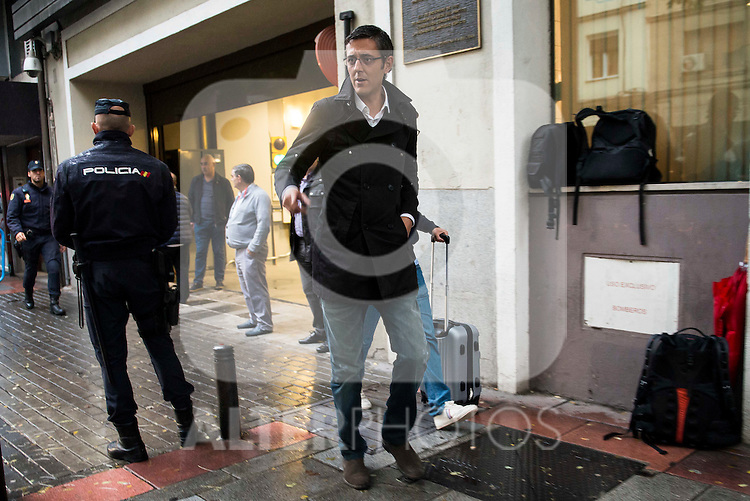 Eduardo Madina attends to the meeting of PSOE's Federal Committee at PSOE's headquarters in Ferraz, Madrid. October 23, 2016. (ALTERPHOTOS/Borja B.Hojas)
