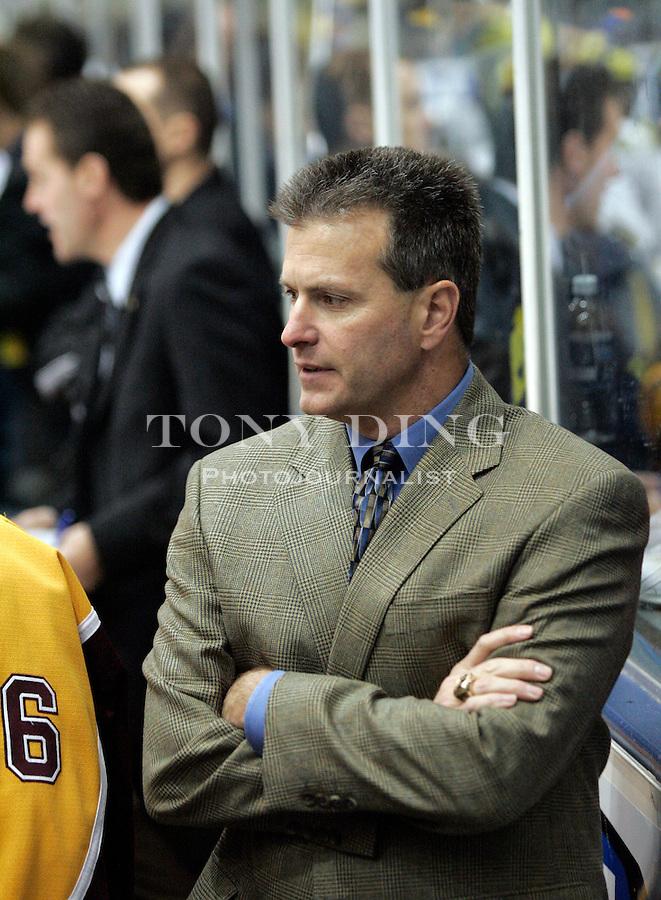 25 Nov 2005: Minnesota head coach Don Lucia during Minnesota's match vs Michigan at Yost Ice Arena in Ann Arbor, MI. The Golden Gophers won 6-3.