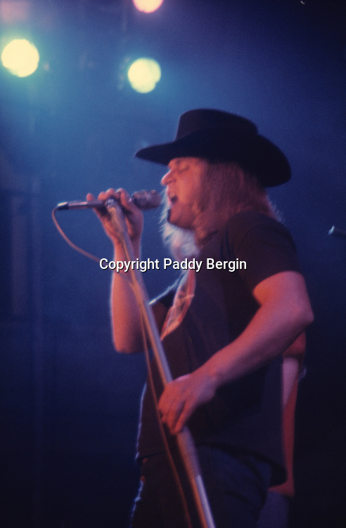 """Ronnie Van Zant, singer in Lynyrd Skynyrd an American rock band best known for popularising the southern hard-rock genre during the 1970s.<br /> <br /> The band rose to worldwide recognition on the basis of its driving live performances and signature tunes """"Sweet Home Alabama"""" and """"Free Bird"""". At the peak of their success, three members died in an airplane crash in 1977, putting an abrupt end to the band's most popular incarnation.<br /> <br /> Stock Photo by Paddy Bergin"""