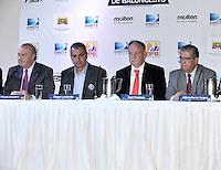 BOGOTÁ-COLOMBIA-14-02-2013: El campeonato de La Liga Direct TV de Baloncesto Profesional fue lanzado hoy en Bogotá, febrero 14 de 2013. El campeonato que tendrá dos temporadas a lo largo del año, será disputado en dos fase eliminatorias y plays off por 8 clubes, el campeón será el que gane 4 de 7 partidos. Además el equipo ganador tendrá cupo en la Liga Suramericana de Clubes de la Federación Internacinal de Baloncesto FIBA. (Foto: VizzorImage /  Luis Ramírez / Staff). The League Championship Professional Basketball Direct TV was launched today in Bogotá, February 14, 2013. The tournament will have two seasons throughout the year, will be played in two qualifiers and plays off stage by 8 clubs, the champion will be the winner 4 of 7 games. Besides the winning team will share in the South American League Club Basketball Federation FIBA Internacinal. (Photo: VizzorImage / Luis Ramirez / Staff).......