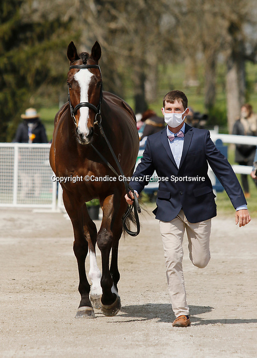April 21, 2021: 20 Steady Eddie and rider Michael Pendleton from the USA in the first horse veterinary inspection at the Land Rover Three Day Event at the Kentucky Horse Park in Lexington, KY on April 21, 2021.  Candice Chavez/ESW/CSM