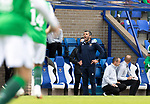 St Johnstone v Hibs……23.08.20   McDiarmid Park  SPFL<br />St Johnstone Manager Callum Davidson shouts instructions<br />Picture by Graeme Hart.<br />Copyright Perthshire Picture Agency<br />Tel: 01738 623350  Mobile: 07990 594431