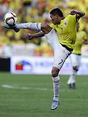 Carlos Bacca controla el balón en el partido contra Peru  en el Estadio Metropolitano Roberto Melendez de Barranquilla el  8 de octubre de 2015.<br /> <br /> Foto: Archivolatino<br /> <br /> COPYRIGHT: Archivolatino<br /> Prohibido su uso sin autorización.