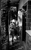 02.2010  Coroico (Bolivia)<br /> <br /> Femmes allant au Carnaval de Coroico.<br /> <br /> Women going to carnival of Coroico.