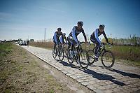 Team Trek Factory Racing with favorite Fabian Cancellara (CHE/TrekFactoryRacing) hidden between his teammates<br /> <br /> 2014 Paris - Roubaix reconnaissance