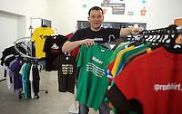 Spreadshirt.de / Spreadsheet - Gründer und Vorstandsvorsitzender Matthias Spieß in Zentrum seines T-Shirt Imperiums in der Zentrale in Leipzig . Foto: aif / Norman Rembarz..Jegliche kommerzielle wie redaktionelle Nutzung ist honorar- und mehrwertsteuerpflichtig! Persönlichkeitsrechte sind zu wahren. Es wird keine Haftung übernommen bei Verletzung von Rechten Dritter. Autoren-Nennung gem. §13 UrhGes. wird verlangt. Weitergabe an Dritte nur nach  vorheriger Absprache. Online-Nutzung ist separat kostenpflichtig..