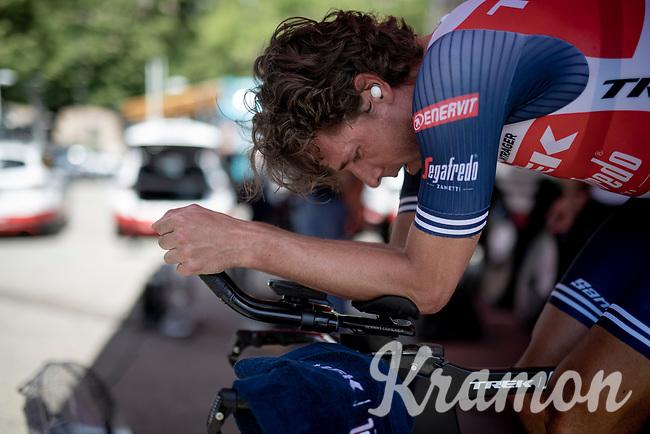 Koen de Kort (NED/Trek - Segafredo) warming up ahead of his time trial<br /> <br /> 104th Giro d'Italia 2021 (2.UWT)<br /> Stage 21 (final ITT) from Senago to Milan (30.3km)<br /> <br /> ©kramon