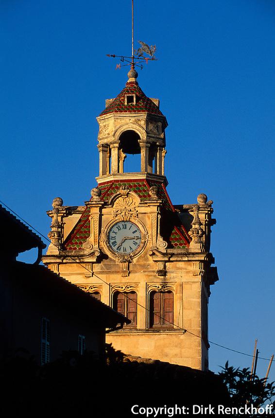 Spanien, Mallorca, Uhrturm vom Rathaus in Alcudia