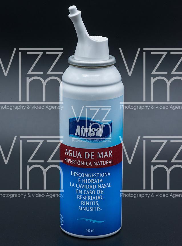 Afrisal, agua de mar, descongestionante nasal. / sea water, nasal decongestant. Photo: VizzorImage / Gabriel Aponte / Staff