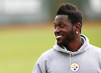of the Pittsburgh Steelers practices at the south side practice facility on November 18, 2015 in Pittsburgh, PA.