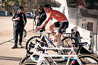 U23 CX World Champion Ryan Kamp (NED/Pauwels Sauzen - Bingoal) warming up pre-race<br />