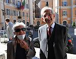 """LUCIANO E GIULIA VIOLANTE<br /> PRESENTAZIONE LIBRO """"INSEGNA CREONTE"""" DI LUCIANO VIOLANTE<br /> CHIESA DI SANT'IGNAZIO DI LOYOLA  GIUGNO 2021"""