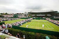 22-6-09, Enland, London, Wimbledon , overzicht buirenbanen met op de achtergrond rechts het Cetercourt met nieuwe schuifdak