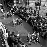 10 Mars 1968. Défilé Violettes sur la place du Capitole.