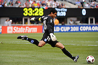 Honduras goalkeeper Noel Valladares (18) during a quarterfinal match of the 2011 CONCACAF Gold Cup at the New Meadowlands Stadium in East Rutherford, NJ, on June 18, 2011.