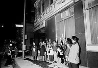 Manifestation en faveur de mariages  juifs<br /> interdit par la Russie<br /> , Novembre 1972 (date exacte inconnue)<br /> , devant les bureaux montrealais d'AEROFLOT<br /> <br /> PHOTO : Agence Quebec Presse -  Alain Renaud