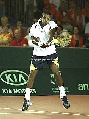 20030919, Zwolle, Davis Cup, NL-India, Prakash Amritraj in his match against Schalken