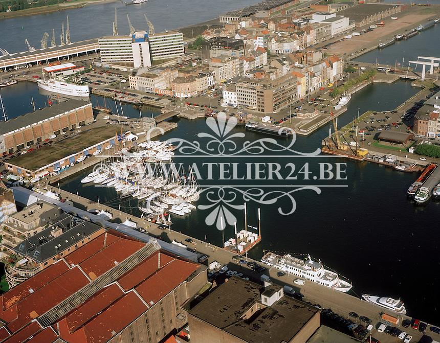 September 1998. Willemdok aan het Eilandje in Antwerpen.