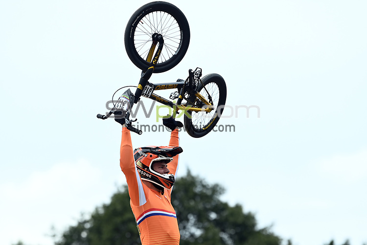 Picture by Alex Broadway/SWpix.com - 22/08/2021 - Cycling - UCI BMX World Championships 2021 - Papendal National Sports Centre, Arnhem, Netherlands - Niek Kimmann of the Netherlands celebrates winning Gold in the Elite Men's final.