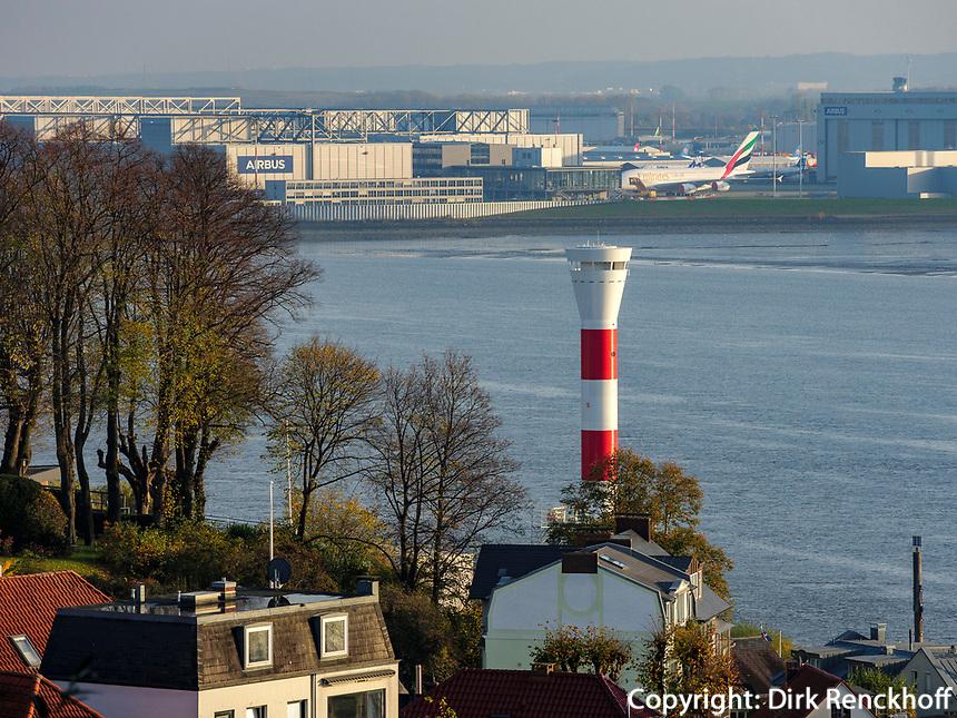 Airbus, Leuchtturm Unterfeuert, Elbe in Hamburg-Blankenese, Deutschland, Europa<br /> Airbus, lighthouse Unterfeuer, river Elbe in Hamburg Blankenese, Germany, Europe