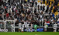 Calcio, Serie A: Juventus vs Sampdoria Allianz stadium, Turin, September 26, 2021.<br /> Juventus' players celebrate after winning 3-2 the Italian Serie A football match between Juventus and Sampdoria  at Allianz stadium, Turin, on September 26, 2021.<br /> UPDATE IMAGES PRESS/Isabella  Bonotto