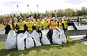 20/04/2010   Copyright  Pic : James Stewart.04_helix_litter  .::  HELIX PROJECT ::  KIDS FROM BRAES HIGH SCHOOL TAKE PART IN THE LITTER PICK AT THE FORTH & CLYDE CANAL BETWEEN LOCK 2 AND THE BLUE BRIDGE ::.