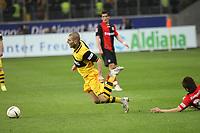 Mladen Petric (BVB) fliegt<br /> Eintracht Frankfurt vs. Borussia Dortmund, Commerzbank Arena<br /> *** Local Caption *** Foto ist honorarpflichtig! zzgl. gesetzl. MwSt. Auf Anfrage in hoeherer Qualitaet/Aufloesung. Belegexemplar an: Marc Schueler, Am Ziegelfalltor 4, 64625 Bensheim, Tel. +49 (0) 6251 86 96 134, www.gameday-mediaservices.de. Email: marc.schueler@gameday-mediaservices.de, Bankverbindung: Volksbank Bergstrasse, Kto.: 151297, BLZ: 50960101