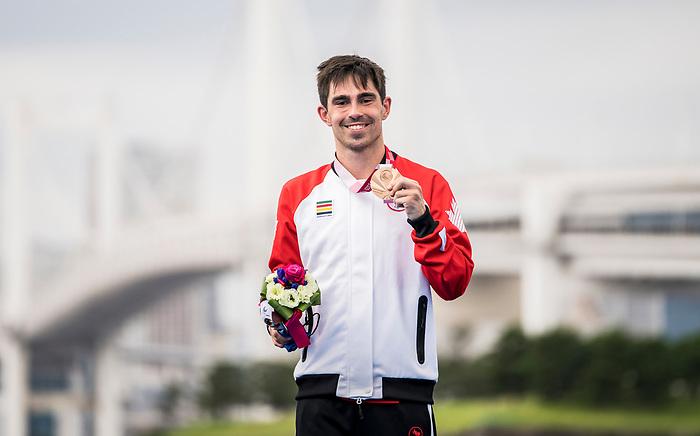 Stefan Daniel, Tokyo 2020 - Para Triathlon // Paratriathlon.<br /> Stefan Daniel takes home the bronze medal in mens PST5 triathlon // Stefan Daniel remporte la médaille de bronze au triathlon masculin PST5. 29/08/2021.