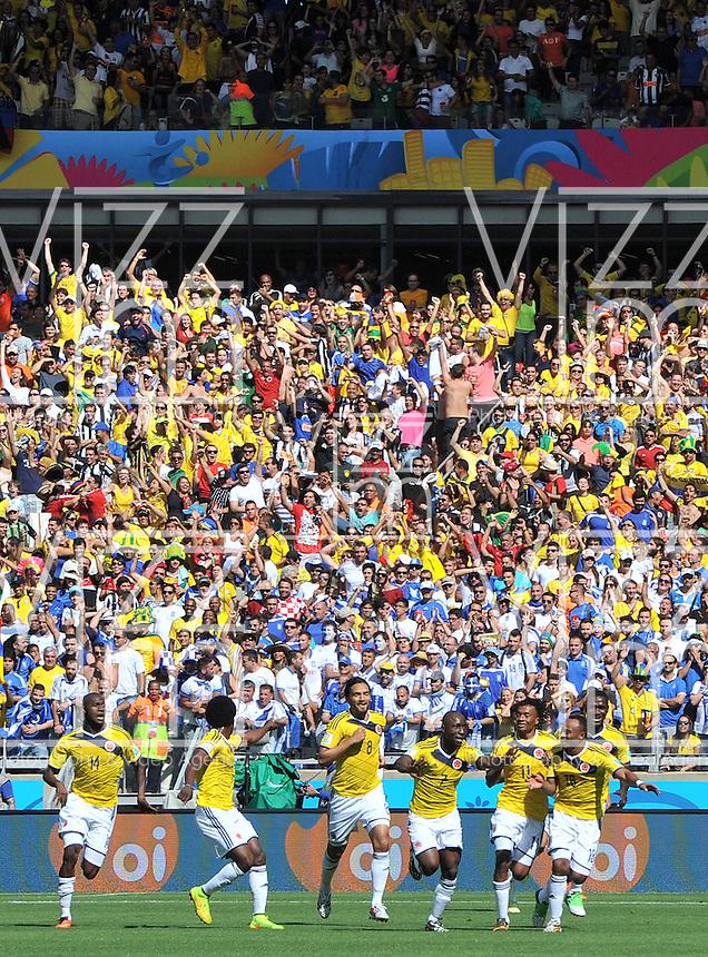 BELO HORIZONTE - BRASIL -14-06-2014. Jugadores de Colombia (COL) celebran un gol anotado a Grecia (GRC) durante partido del Grupo C de la Copa Mundial de la FIFA Brasil 2014 jugado en el estadio Mineirao de Belo Horizonte./ Players of Colombia (COL) celebrate a goal scored to Grece (GRC) during the macth of the Group C of the 2014 FIFA World Cup Brazil played at Mineirao stadium in Belo Horizonte. Photo: VizzorImage / Alfredo Gutiérrez / Contribuidor