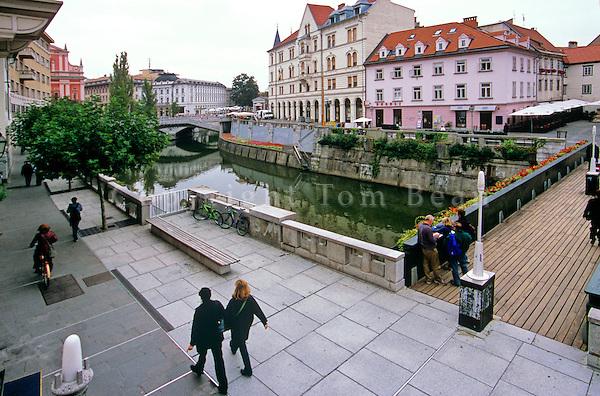 Walkways along Ljubljiana River, historic capital city centre of Ljubljiana, Slovenia, AGPix_0555.