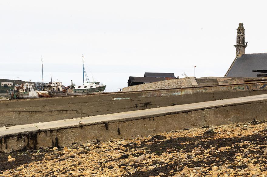 Camaret sur Mer - Bretagna, 22 agosto 2020. Scalo d'alaggio e relitti.