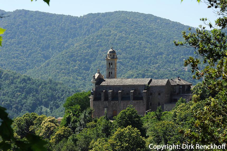 Barockkirche Saint-Pierre et Saint Paul in Piediroce in der Castaniccia, Korsika, Frankreich