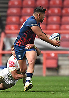 23rd April 2021; Ashton Gate Stadium, Bristol, England; Premiership Rugby Union, Bristol Bears versus Exeter Chiefs; Charles Piutau of Bristol Bears offloads out of the tackle from Henry Slade of Exeter Chiefs