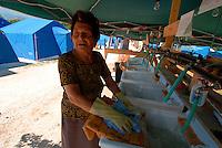 S.BIAGIO / TEMPERA / L'AQUILA  - 8 LUGLIO 2009.TENDOPOLI PER GLI SFOLLATI DEL TERREMOTO..FOTO LIVIO SENIGALLIESI...TEMPERA / L'AQUILA / ABRUZZO / ITALY - 2009.HOMELESS BY THE EARTHQUAKE FOUND ACCOMODATION IN TENTS..PHOTO LIVIO SENIGALLIESI