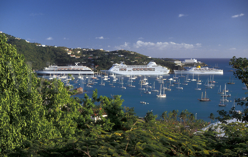AJ2349, U.S. Virgin Islands, St. Thomas, Caribbean, cruise, U.S.V.I., USVI, Virgin Islands, Scenic view of cruise ships and pleasure boats in the harbor in Charlotte Amalie the territorial capital of the US Virgin Islands on Saint Thomas Island.