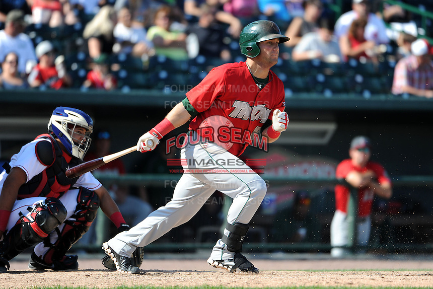 Fort Wayne TinCaps second baseman Maxx Tissenbaum (8) during a game against the Great Lakes Loons on August 18, 2013 at Dow Diamond in Midland, Michigan.  Fort Wayne defeated Great Lakes 4-3.  (Mike Janes/Four Seam Images)