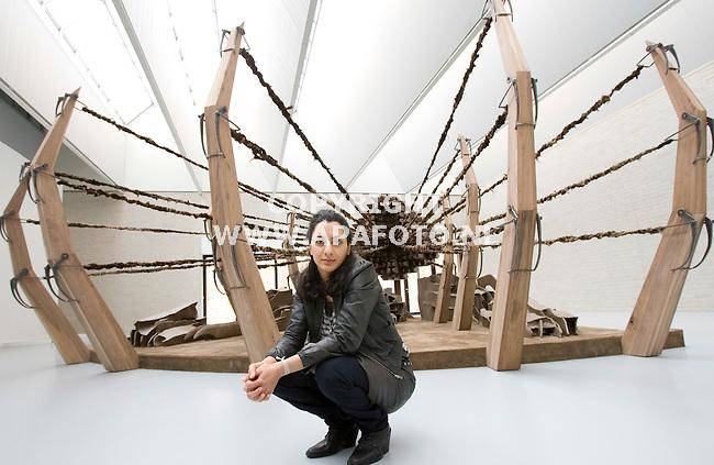 Otterlo, 020408<br /> Eylem Aladogan bij haar werk.<br /> <br /> Foto: Sjef Prins - APA Foto