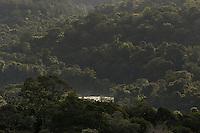 O rio Oiapoque é um rio do Brasil e Guiana Francesa, que no Brasil banha o estado do Amapá. Em seu trajeto, é também chamado de Oyapock, Iapoco, Iapoc. Entre os séculos XVI e XVIII, foi chamado ainda de rio de Vicente Pinzón, em homenagem a Vicente Yáñez Pinzón, navegador espanhol que teria descoberto a sua foz.<br /> <br /> Nasce na Serra Tumucumaque (ou Tumuc-Humac) e vai desaguar no Oceano Atlântico, percorrendo cerca de 350 km. Ao longo do seu percurso, delimita a fronteira entre o Brasil e a Guiana Francesa.<br /> <br /> Oiapoque, Amapá, Brasil<br /> Foto Paulo Santos<br /> 09/05/2012