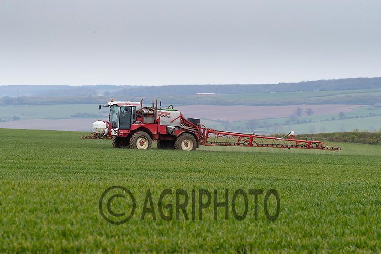 27-4-2021 Applying liquid nitrogen to Winter Wheat in Rutland<br /> ©Tim Scrivener Photographer 07850 303986<br />      ....Covering Agriculture In The UK....
