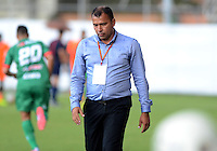 ENVIGADO -COLOMBIA, 8-NOVIEMBRE-2015. Harold Rivera   director tecnico de Patriotas de Boyacá en accion contra Envigado FC  partido de la  fecha 19 de la Liga Aguila II 2015 jugado en el estadio Polideportivo Sur./ Harold Rivera  coach of Patriotas de Boyaca  in actions against  of Envigado FC  of the match between Envigado FC  and Patriotas de Boyacá for the date 19 of the Aguila League II 2015 played at Polideportivo Sur . Photo: VizzorImage / Leon Monsalve / Str