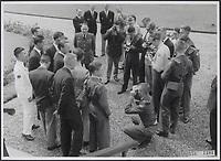 cameramen  des medias,<br /> 1956, Hollande<br /> <br /> PHOTO : : Agence Quebec Presse