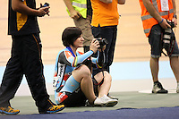 Australia Anna Meares joins the media to take pics of the presentations at the 2014 Oceania Track Championships, Sit Zero Fees Velodrome, Invercargill, New Zealand, Friday, November 22, 2013. Photo: Dianne Manson / NINZ