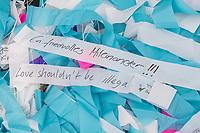"""Aufbau der Kunstinstallation """"Visions in Motion"""" des Kuenstler Patrick Shearn vor dem Brandenburger Tor anlaesslich der Feierlichkeiten zum 30. Jahrestag des Mauerfall am 9. November 1989.<br /> 30.000 Botschaften von Berlinern werden in einer Laenge von rund 150 Metern als Teppich aus bunten Faehnchen ueber der Strasse des 17. Juni schweben.<br /> 1.11.2019, Berlin<br /> Copyright: Christian-Ditsch.de<br /> [Inhaltsveraendernde Manipulation des Fotos nur nach ausdruecklicher Genehmigung des Fotografen. Vereinbarungen ueber Abtretung von Persoenlichkeitsrechten/Model Release der abgebildeten Person/Personen liegen nicht vor. NO MODEL RELEASE! Nur fuer Redaktionelle Zwecke. Don't publish without copyright Christian-Ditsch.de, Veroeffentlichung nur mit Fotografennennung, sowie gegen Honorar, MwSt. und Beleg. Konto: I N G - D i B a, IBAN DE58500105175400192269, BIC INGDDEFFXXX, Kontakt: post@christian-ditsch.de<br /> Bei der Bearbeitung der Dateiinformationen darf die Urheberkennzeichnung in den EXIF- und  IPTC-Daten nicht entfernt werden, diese sind in digitalen Medien nach §95c UrhG rechtlich geschuetzt. Der Urhebervermerk wird gemaess §13 UrhG verlangt.]"""